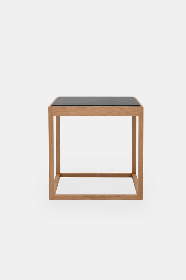 Cube side table in wood and marble