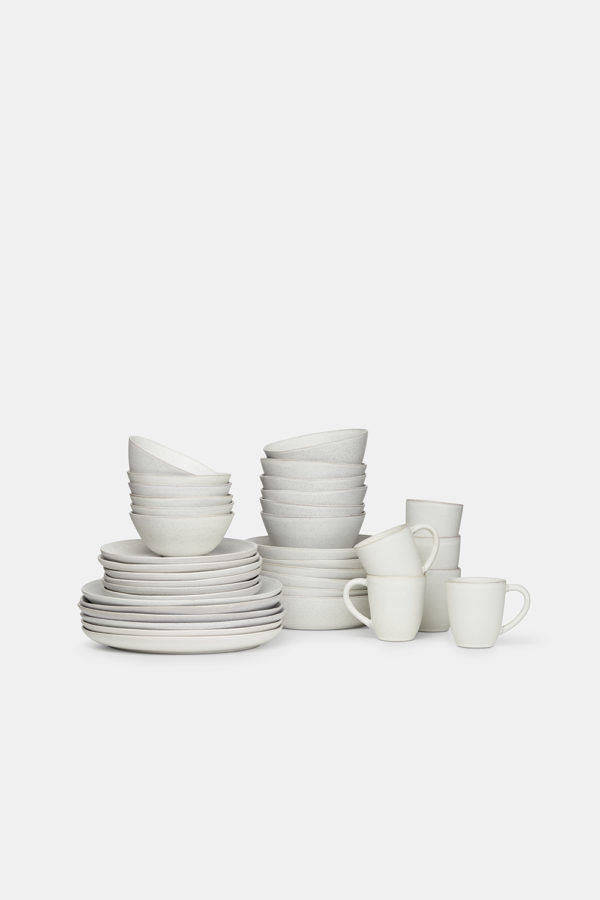 full-tableware-set-in-stonematerial-white